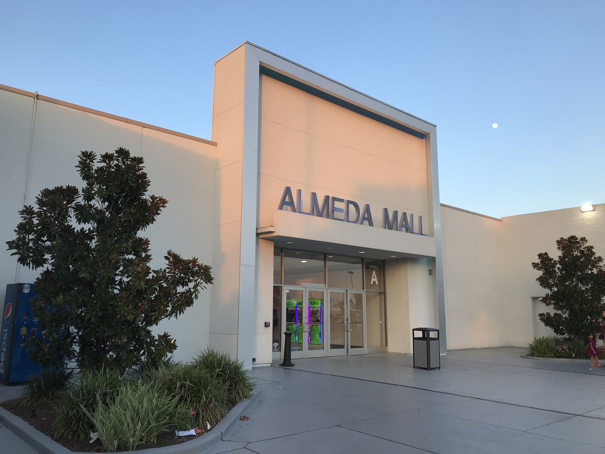 Visiting Almeda Mall for the first time