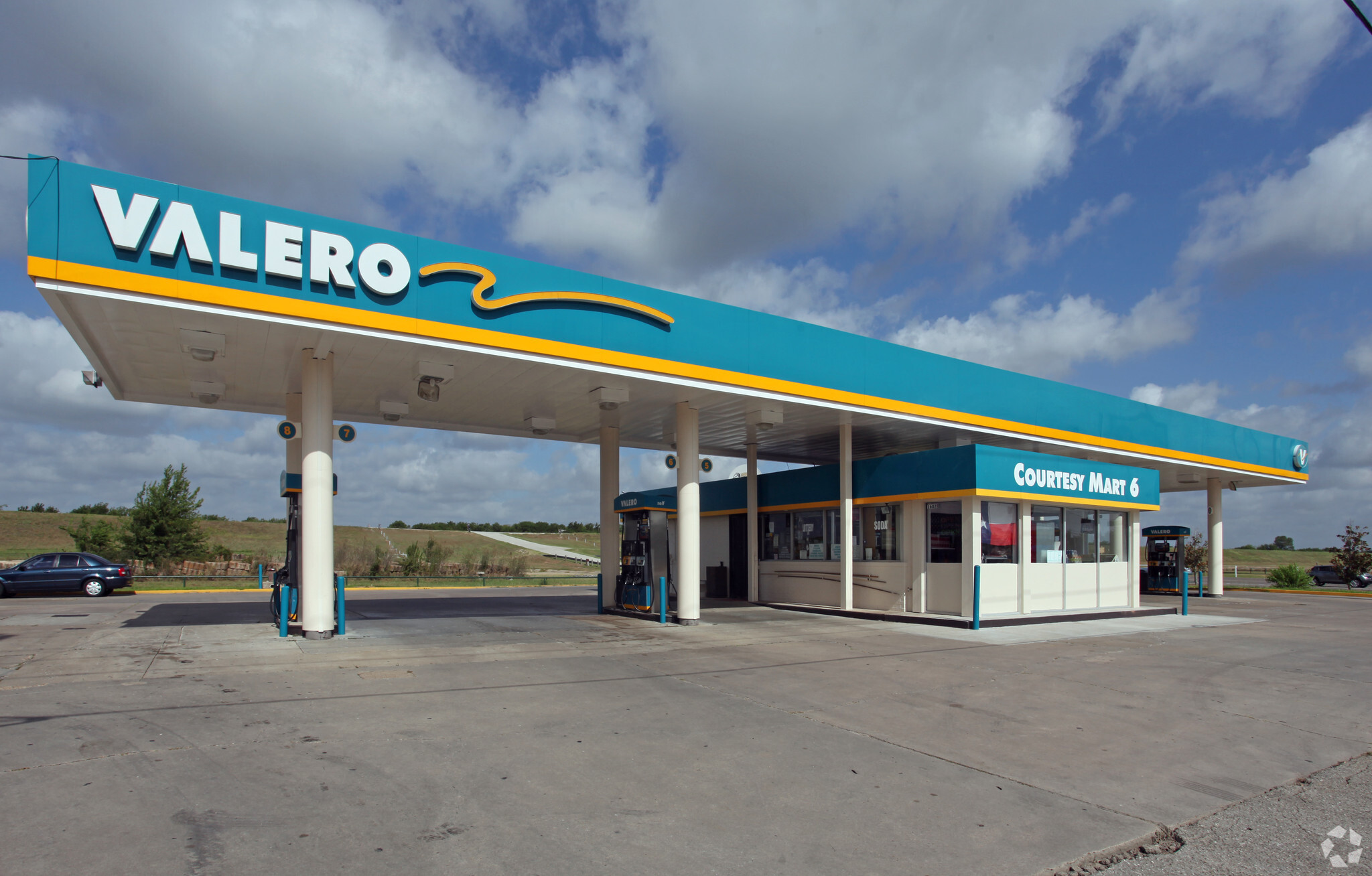 This Week in Demolition: The Most Dangerous Gas Station in the World