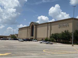 Dillard's Exterior