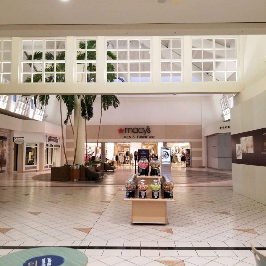 Wards/Macy's Men's Store Mall Entrance