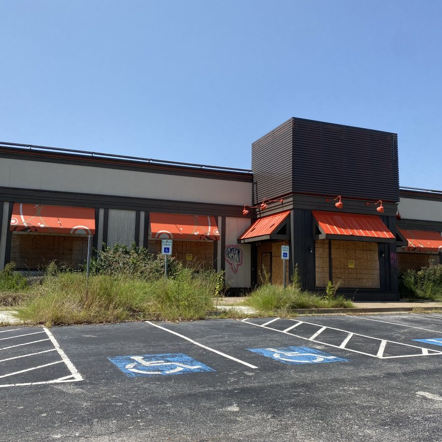 Dining Out on Highway 6, a reflection on the dead restaurants near West Oaks Mall